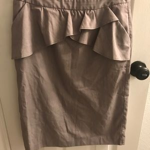 Grey linen pencil skirt with pockets!